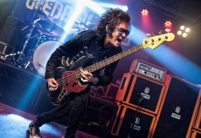 Glenn Hughes performs classic Deep Purple live!